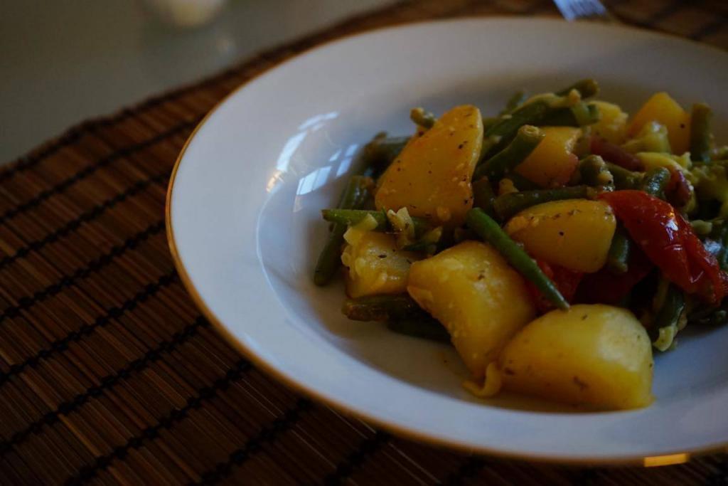Die-rustikale-Gemüsepfanne-ist-einfach-zuzubereiten-und-doch-super-lecker-1024x683.jpg
